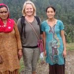 Mor och dotter som jag mötte på min vandring i Himalaya